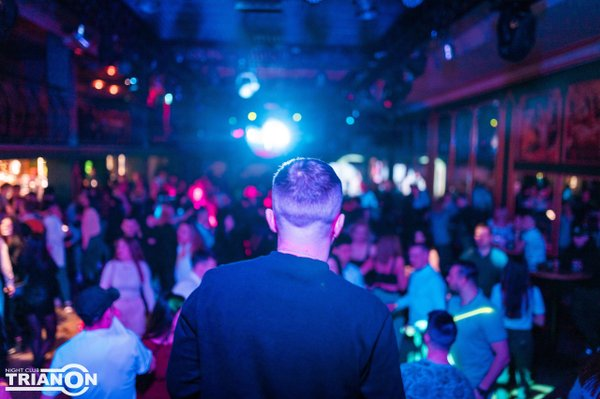 Клуб в железнодорожном ночной московская область приключения жены в ночном клубе