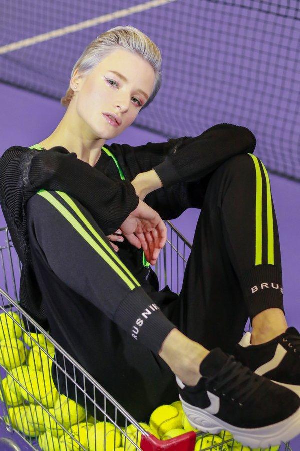 5731c8c8fe8 Сеть магазинов дизайнерской одежды BRUSNiKA на метро Щукинская ...