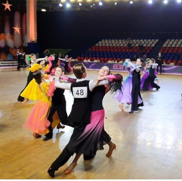 Танцевальный клуб атлант москва адрес эмблема локомотив футбольный клуб москва