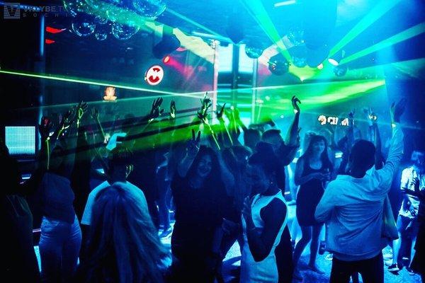 Ночной клуб адлер официальный сайт мужской клуб в саратове
