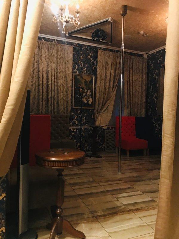 Стриптиз клуб алиби спб купить бизнес ночной клуб в москве