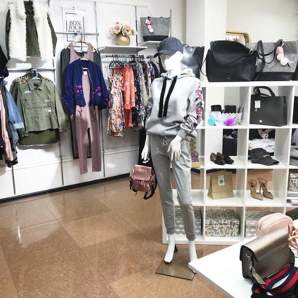 7fe32a685a2 Магазин брендовой женской одежды Десембер 87 концепт стор - отзывы ...